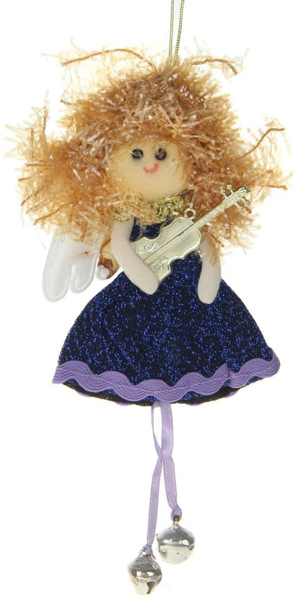Новогоднее подвесное украшение Синяя фея. Ножки-бусинки1381207Новогоднее украшение ручной работы отлично подойдет для декорации вашего дома и новогодней ели. С помощью специальной петельки украшение можно повесить в любом понравившемся вам месте. Но, конечно, удачнее всего оно будет смотреться на праздничной елке.Елочная игрушка - символ Нового года. Она несет в себе волшебство и красоту праздника. Такое украшение создаст в вашем доме атмосферу праздника, веселья и радости.