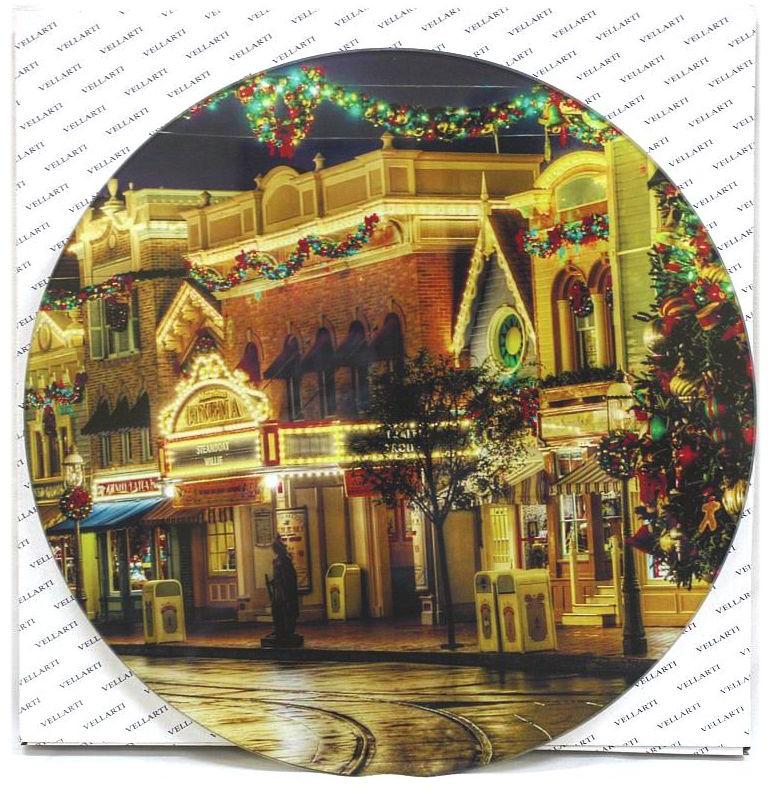 Блюдо Vellarti Рождественский город, вращающееся, диаметр 30 см. 21700312170031Круглое блюдо Vellarti Рождественский город выполнено из высококачественного стекла и дополнено красивым принтом. Блюдо оснащено небольшой круглой подставкой и крутящимся механизмом. Изделие отлично подходит для сервировки закусок, нарезок, канапе, горячих блюд и многого другого. Такое блюдо замечательно для торжественных случаев. Оно дополнит сервировку праздничного стола и подчеркнет ваш прекрасный вкус. Диаметр блюда: 30 см.