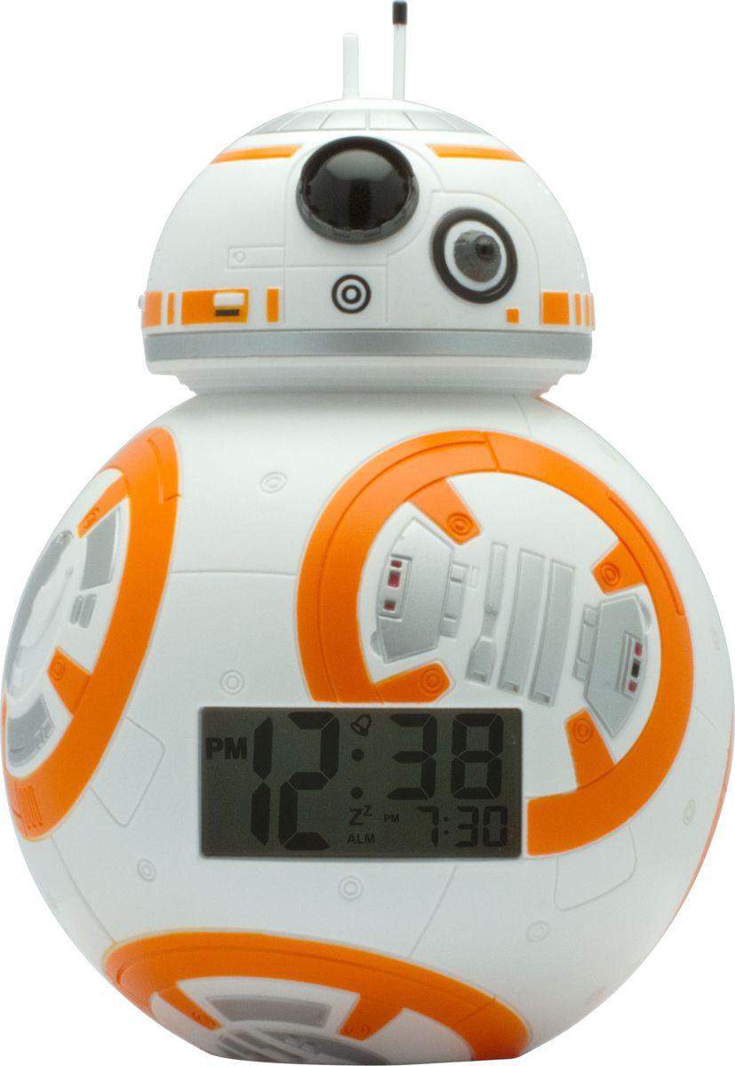 Star Wars BulbBotz Будильник детский Дроид BB-82020503BulbBotz (дословно лампа бот) - будильник в виде минифигуры любимого героя Звёздных Войн, по форме напоминающий лампу накаливания, оснащен цифровым дисплеем с подсветкой и функцией отсрочки звукового сигнала. Для того, чтобы включить/выключить будильник, нужно нажать на голову минифигуры, которая также подсвечивается! В комплект входят 2 батарейки (ААА). Рекомендуемый возраст: от 6 лет.Высота минифигуры: 17,7 см