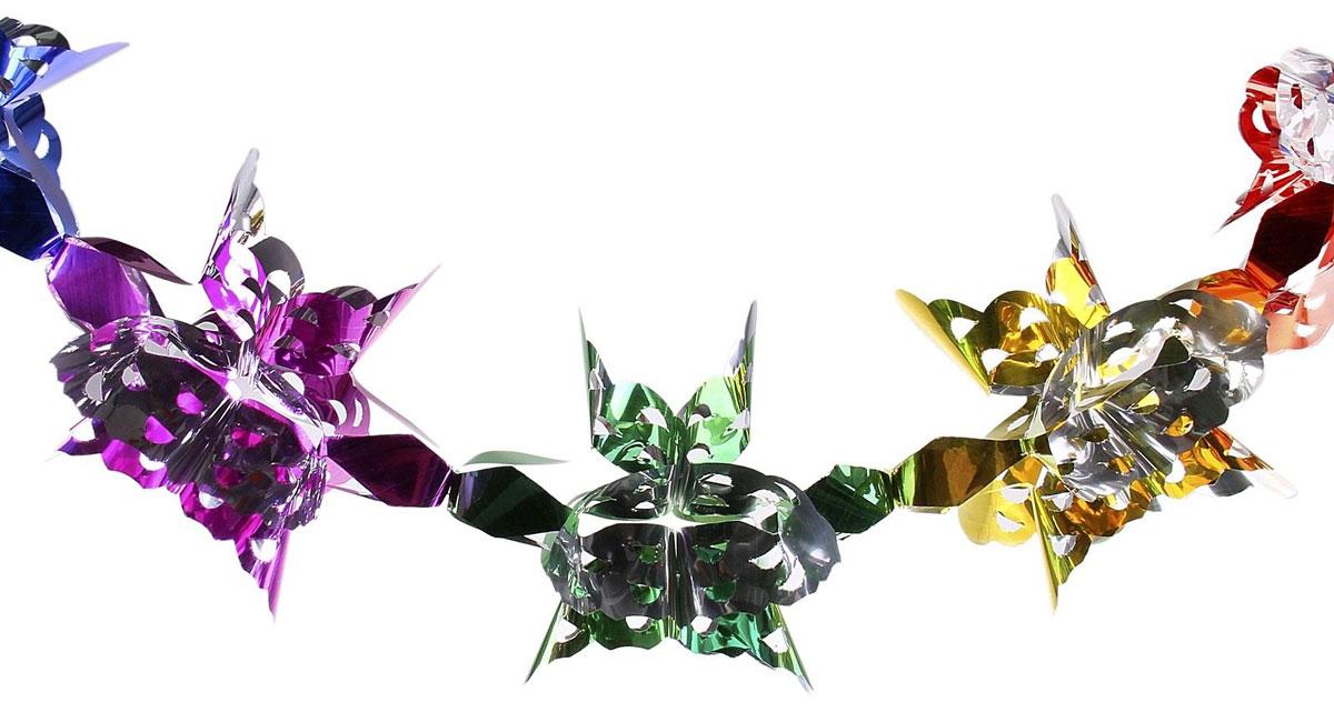 Гирлянда-растяжка Резные узоры. 702492702492Невозможно представить нашу жизнь без праздников! Мы всегда ждем их и предвкушаем, обдумываем, как проведем памятный день, тщательно выбираем подарки и аксессуары, ведь именно они создают и поддерживают торжественный настрой. Новогодние аксессуары — это отличный выбор, который привнесет атмосферу праздника в ваш дом!