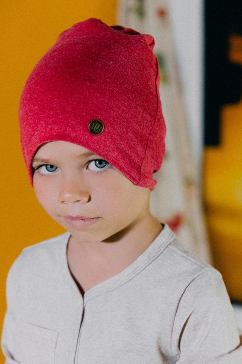 Шапка для мальчика Ёмаё, цвет: красный. 45-607. Размер 4645-607Шапка для мальчика Ёмаё выполнена из сочетания высококачественного хлопка с эластаном и оформлена металлической эмблемой фирмы. Шапка выполнена в лаконичном однотонном стиле.