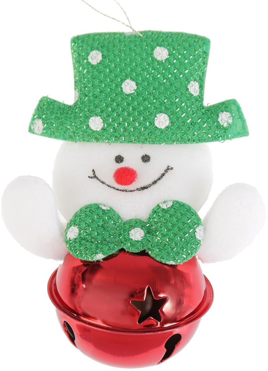 Украшение новогоднее подвесное NoName Снеговик в шляпке, с бубенчиком, 5 х 9 см2388972Новогоднее подвесное украшение NoName Снеговик в шляпке выполнено из текстиля и оснащено бубенчиком. С помощью специальной петельки украшение можно повесить в любом понравившемся вам месте. Но, конечно, удачнее всего оно будет смотреться на праздничной елке.Елочная игрушка - символ Нового года. Она несет в себе волшебство и красоту праздника. Создайте в своем доме атмосферу веселья и радости, украшая новогоднюю елку нарядными игрушками, которые будут из года в год накапливать теплоту воспоминаний.