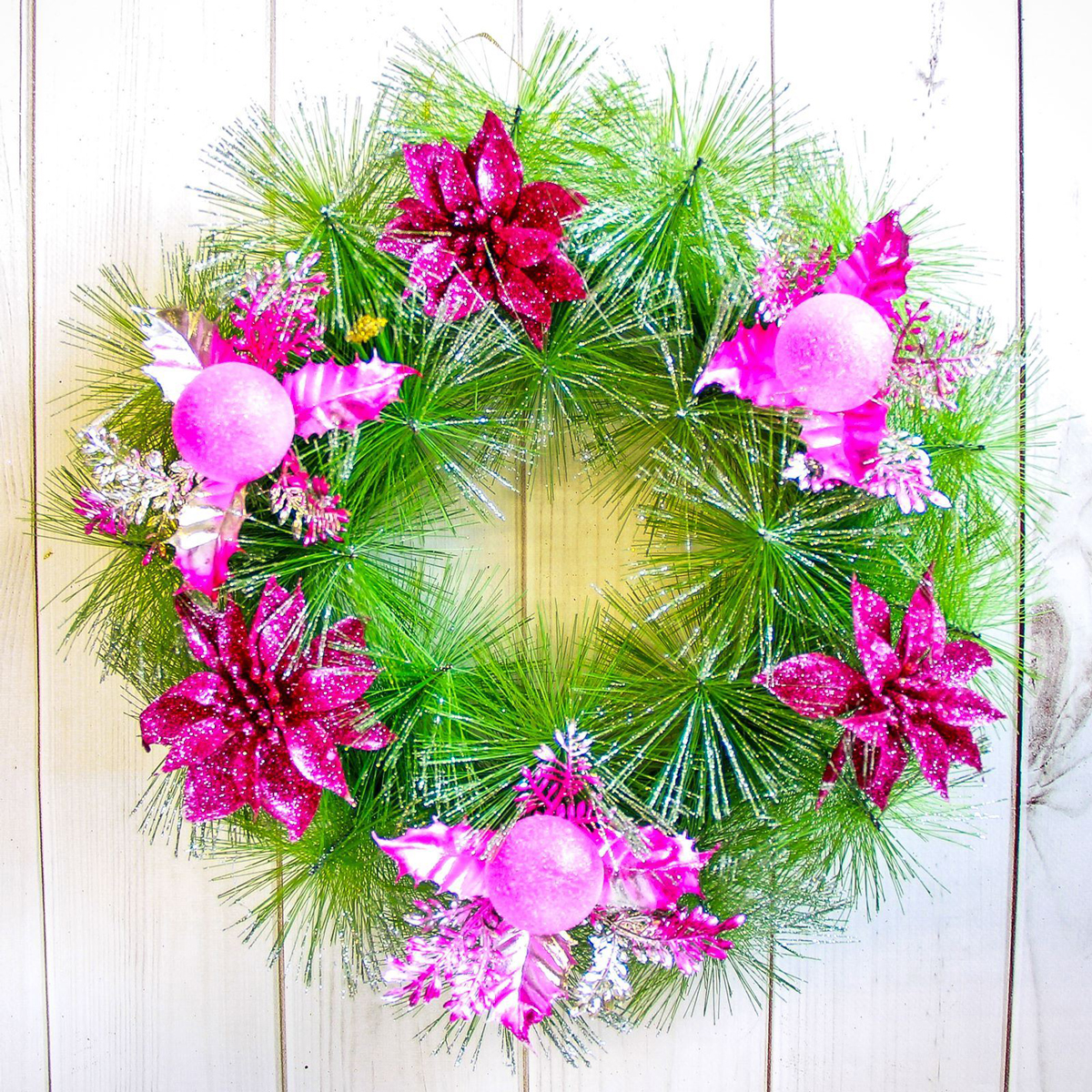 Венок новогодний Сиреневый цветок, диаметр 30 см2377995Невозможно представить нашу жизнь без праздников! Мы всегда ждем их и предвкушаем, обдумываем, как проведем памятный день, тщательновыбираем подарки и аксессуары, ведь именно они создают и поддерживают торжественный настрой. Это отличный выбор, который привнесетатмосферу праздника в ваш дом! Диаметр венка: 30 см.
