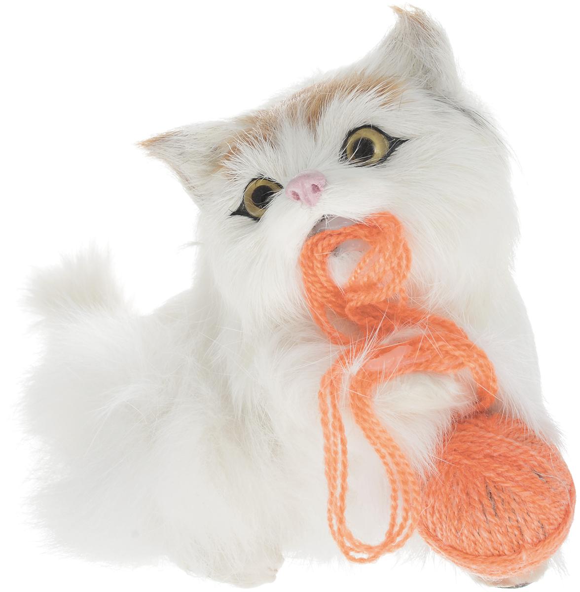 Vebtoy Фигурка Котенок с клубочком цвет белый C223 vebtoy фигурка котенок сидящий цвет белый c226