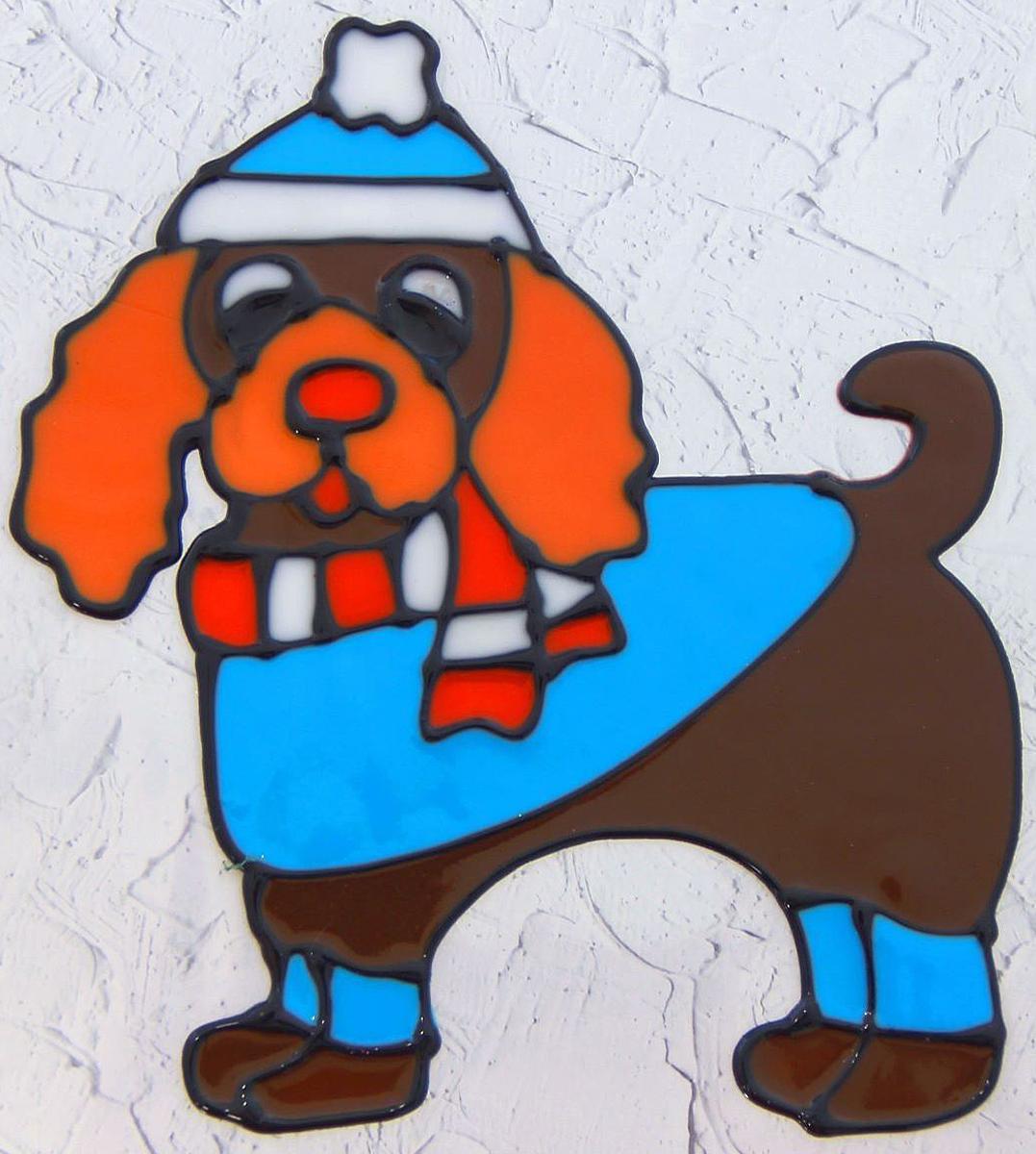 Украшение новогоднее оконное Собачка в шапке, 14,5 х 13 см2377873Новогоднее оконное украшение Собачка в шапке поможет украсить дом кпредстоящим праздникам. Яркая наклейка крепится к гладкой поверхности стекла посредством статического эффекта. С помощью такого украшения вы сможете оживить интерьер по своему вкусу.Новогодние украшения всегда несут в себе волшебство и красоту праздника. Создайте в своем доме атмосферу тепла, веселья и радости, украшая его всей семьей.