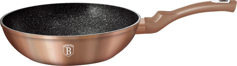 Вок Berlinger Haus Rosegold Line, диаметр 28 см. 1512N-BH1512N-BHСковорода-Вок O28*7,4см, 3,2л, кованый алюминий, толщина стенок 0,5 см, 3 слоя мраморного покрытия эргономичная ручка soft touch, индукционное дно, подставка под горячее в подарок, цвет: золотистый. Подходит для всех видов плит: газовых, электрических, стеклокерамических, галогенных, индукционных.