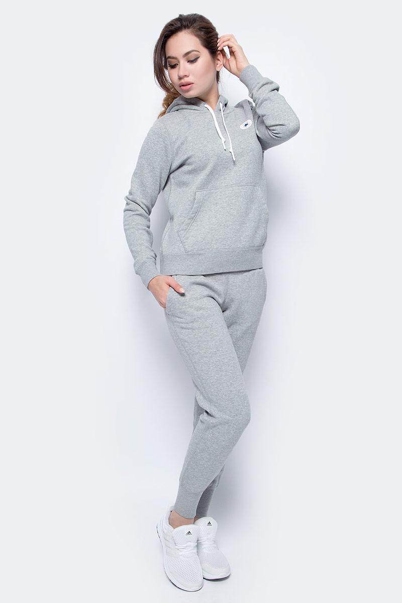 Худи женское Converse Core Popover Hoodie, цвет: серый. 10004543035. Размер S (44)10004543035Худи с длинными рукавами и капюшоном изготовлено из мягкого смесового материала. Объем капюшона регулируется при помощи шнурка-кулиски. Спереди расположен карман-кенгуру.
