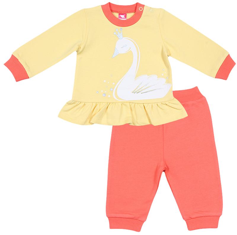 Комплект для девочки Cherubino: джемпер, брюки, цвет: желтый, оранжевый. CWN 9673 (156). Размер 74CWN 9673 (156)Комплект для девочки Cherubino состоит из джемпера и брюк. Изделия выполнены из хлопка с начесом. Лонгслив с круглым вырезом горловины и длинными рукавами оформлен принтом и декорирован баской. Брюки прямого кроя с резинкой на талии, по низу дополнены трикотажными манжетами.