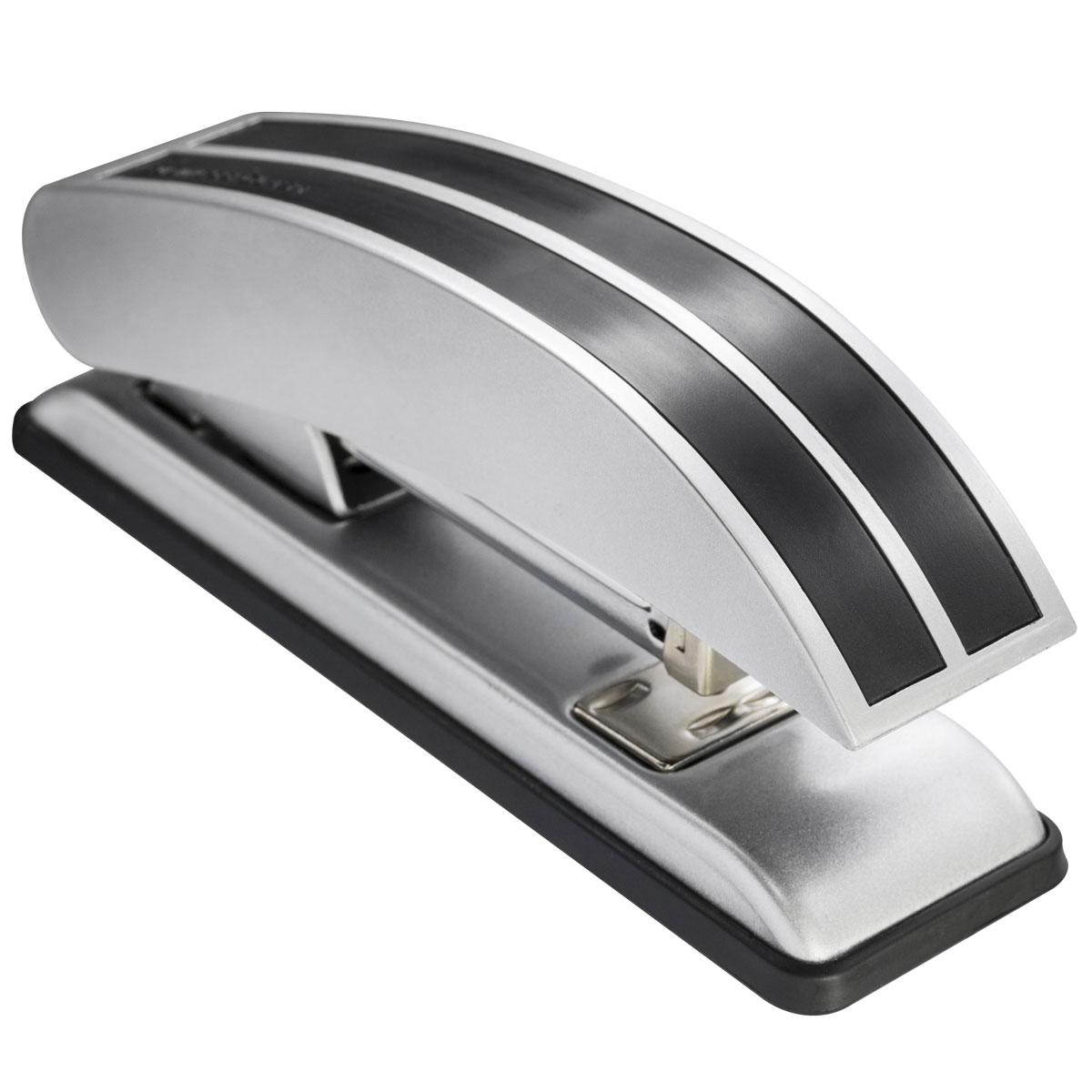 Laco Степлер BC518 скоба №24/6 на 25 листов цвет черный2630301Элегантный металлический степлер с пластиковыми декоративными элементами. Рассчитан на 100 скоб №24/6 или 26/6. Открытое и закрытое скрепление. Глубина прошивки 60 мм. Пробивная толщина 25 листов. Цвет - черный