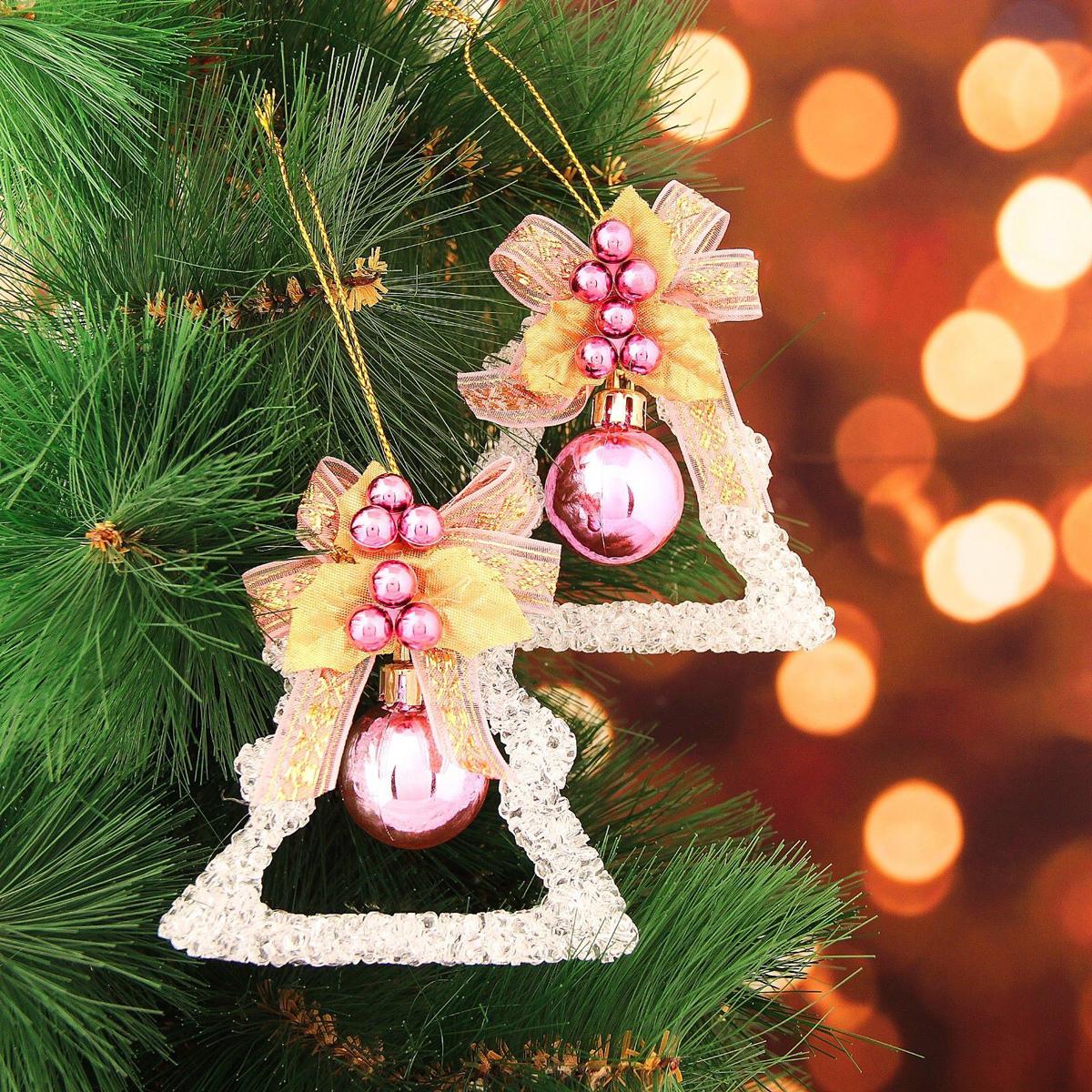 Набор новогодних подвесных украшений Елочка с шариком, 8 х 8 см, 2 шт2371317Набор новогодних подвесных украшений отлично подойдет для декорации вашего дома и новогодней ели. С помощью специальной петельки украшение можно повесить в любом понравившемся вам месте. Но, конечно, удачнее всего оно будет смотреться на праздничной елке.Елочная игрушка - символ Нового года. Она несет в себе волшебство и красоту праздника. Такое украшение создаст в вашем доме атмосферу праздника, веселья и радости.