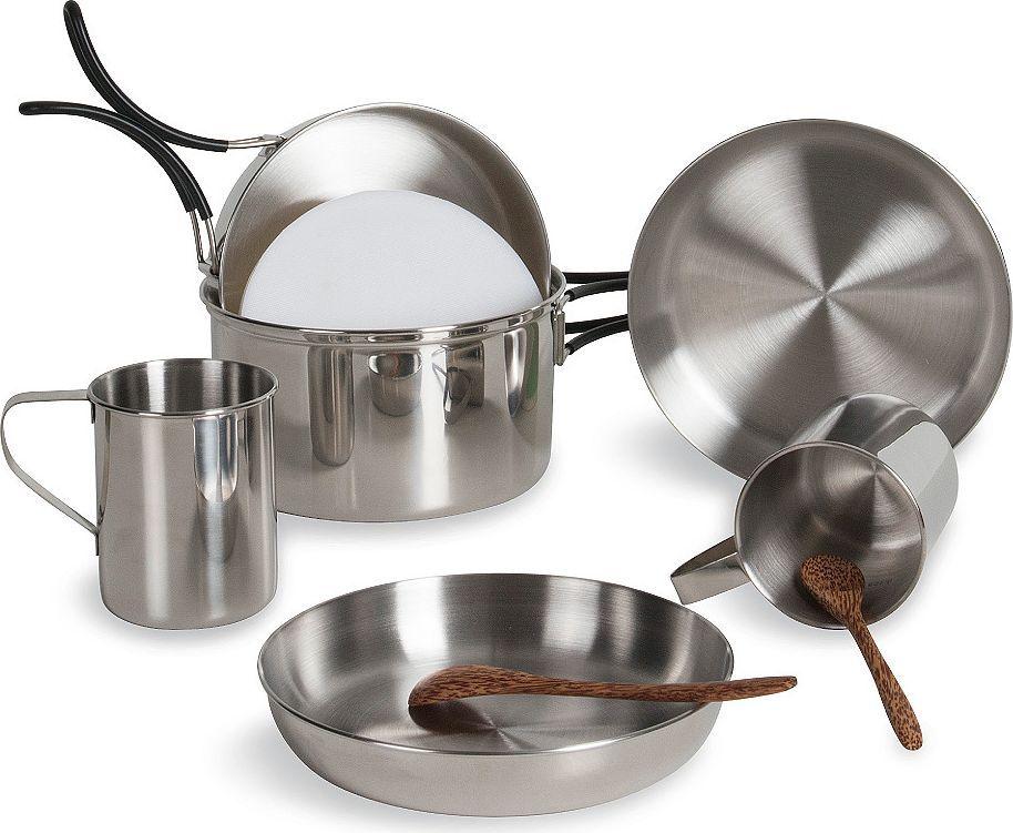 Набор походной посуды Tatonka Picnic Set4120.000Набор посуды - все, что нужно для пикника. Складывается по принципу Матрешки. Состоит из :- кастрюля 1.3 л, 16х9 см, 285 г,- сковорода 15.5х4.3 см, 155 г,- 2 тарелки 16.5х3 см, 100 г,- 2 чашки 0.25 л, 95 г,- 2 чайные ложки- разделочная дощечка (ПЭ)Упакован в практичную сумку для транспортировки.