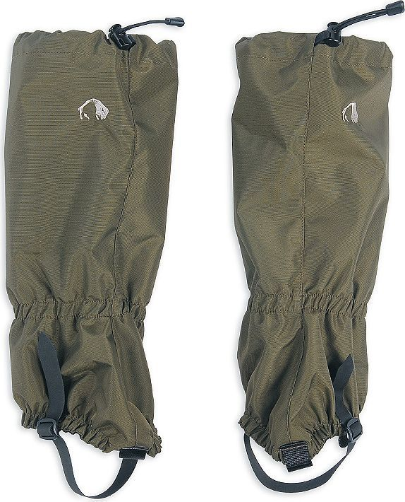Гамаши Tatonka Gaiter 420/450 HD Short, цвет: темно-зеленый. 2749.036. Размер универсальный2749.036Гамаши Tatonka Gaiter, выполненные из нейлона, предназначены для защиты обуви и брюк от снега, влаги, колючек и грязи. Гамаши застегиваются сбоку на пластиковую молнию с защитными клапанами. Снизу модель имеет прочный регулируемый ремешок для более плотной фиксации на ступне.Благодаря таким гамашам низ брюк и ботинки всегда останутся сухими и защищенными от грязи.