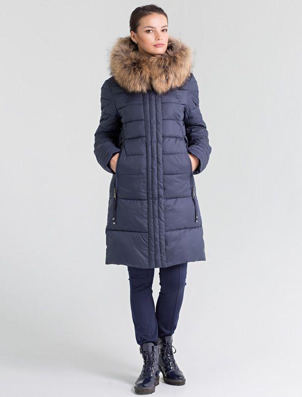 Пальто женское Defreeze, цвет: синий. 72-277_d.navy. Размер 4272-277_d.navyСтильное женское пальто DEFREEZE выполнено из полиэстера, в качестве утеплителя используется био-пух, выдерживающий значительные морозы. Модель средней длины дополнена оригинальной декоративной стежкой. Внутренние трикотажные манжеты и затяжки по низу пальто создают дополнительный комфорт. Модель дополнена двумя прорезными карманами с массивной тракторной молнией. Капюшон отделан мехом енота (мех отстегивается).