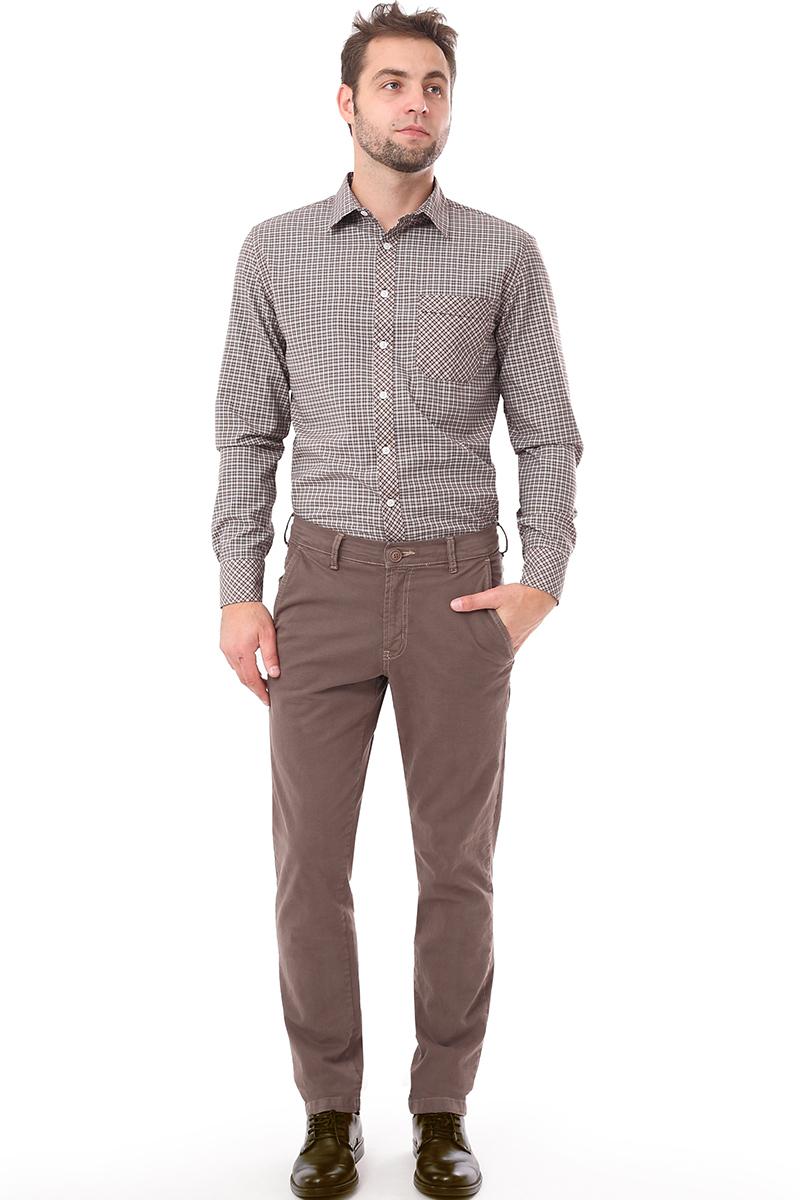 Рубашка мужская F5 Poplin, цвет: коричневый. 276005. Размер S (46)276005_Check 1Мужская рубашка F5, выполненная из хлопка и полиэстера, прекрасно подойдет для повседневной носки. Материал очень мягкий и приятный на ощупь, не сковывает движения и позволяет коже дышать. Рубашка прямого кроя с отложным воротником и длинными рукавами застегивается на пуговицы по всей длине. На груди модели предусмотрен накладной карман с клапаном. Манжеты рукавов также застегиваются на пуговицы. Изделие оформлено принтом в клетку. Такая модель будет дарить вам комфорт в течение всего дня и станет модным и стильным дополнением к вашему гардеробу.
