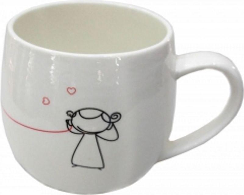 """Стильная кружка Карамба """"Love"""" выполнена из керамики и оформлена забавным рисунком. Кружка """"Love"""" станет не только приятным, но и практичным сувениром."""