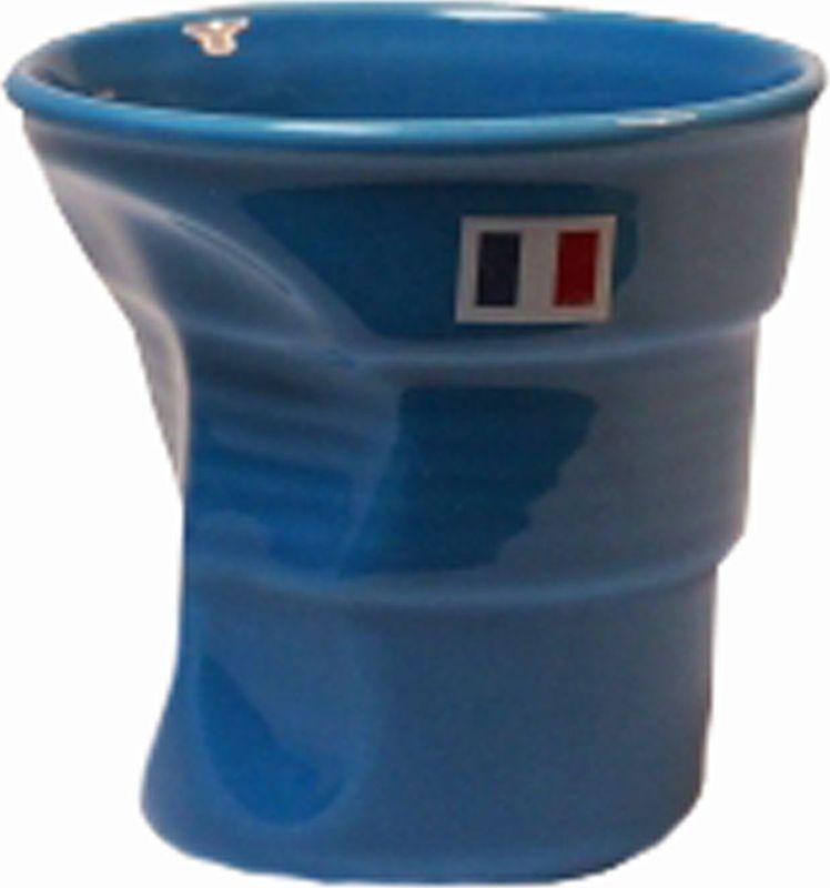 Стакан Карамба Французский флаг, цвет: синий, 150 мл3128Забавный небольшой керамический мятый стаканчик с изображением французского флага станет не только приятным, но и практичным сувениром.