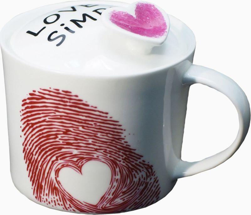 Кружка Карамба Отпечаток, с крышкой, цвет: розовый, 400 мл3721Кружка Карамба Отпечаток выполнена из высококачественной керамики, а ее запоминающийся дизайн придется по вкусу даже самым избалованным любителям кухонных аксессуаров. Замечательное качество и удобство в использовании - вот какими качествами обладает эта кружка.