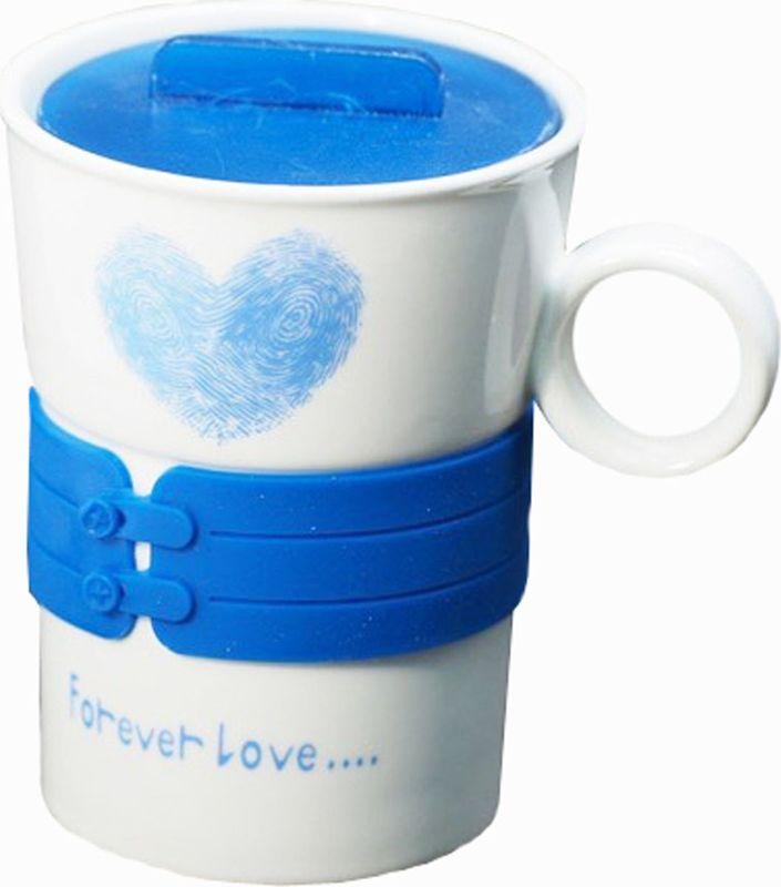 Кружка Карамба, с силиконовой вставкой и крышкой, цвет: синий, 300 мл3731Оригинальная кружка с пластмассовой крышкой