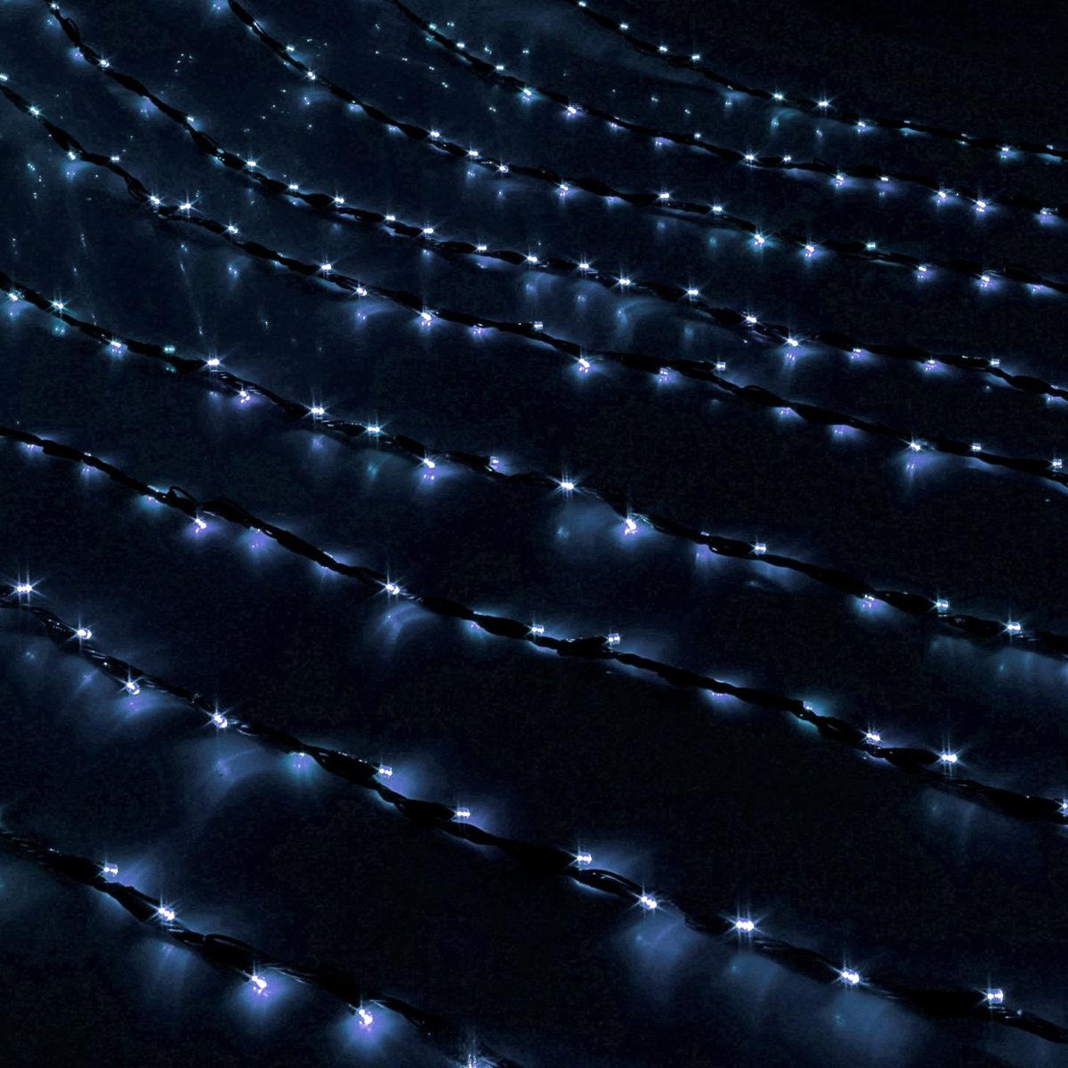 Гирлянда светодиодная Luazon Дождь, уличная, 8 режимов, 800 ламп, 220 V, цвет: белый, 2 х 3 м. 706339 гирлянда светодиодная luazon дождь уличная 8 режимов 400 ламп 220 v цвет мультиколор 2 х 1 5 м 671675