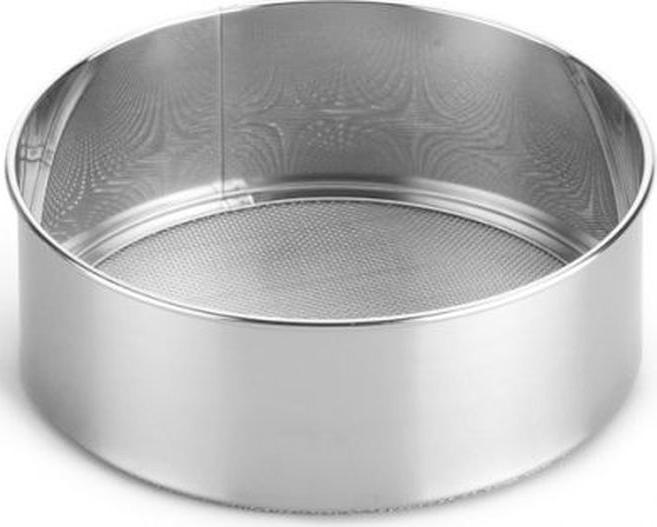Сито Attribute Gadget Classic, 15,5 смAGP020Ситечко Attribute Gadget Classic, выполненное из нержавеющей стали, станет незаменимым аксессуаром на вашей кухне. Оно предназначено для просеивания и процеживания. Удобная ручка с пластиковой вставкой не позволит выскользнуть изделию из вашей руки. Ручка имеет отверстие, с помощью которого изделие можно подвесить в удобном для вас месте. Такое ситечко станет достойным дополнением к кухонному инвентарю. Диаметр: 15,5 см.