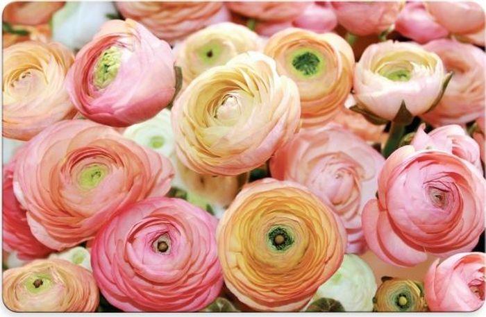 """Салфетка под горячее Fenghua """"Flowers"""" изготовлена из полимерного материала. Такая салфетка прекрасно подойдет для украшения интерьера кухни, она сбережет стол от высоких температур и грязи.  Каждая хозяйка знает, что подставка под горячее - это незаменимый и очень полезный аксессуар на каждой кухне. Ваш стол будет не только украшен оригинальной подставкой, но и сбережен от воздействия высоких температур ваших кулинарных шедевров. Размер салфетки: 43,5 х 28 см."""
