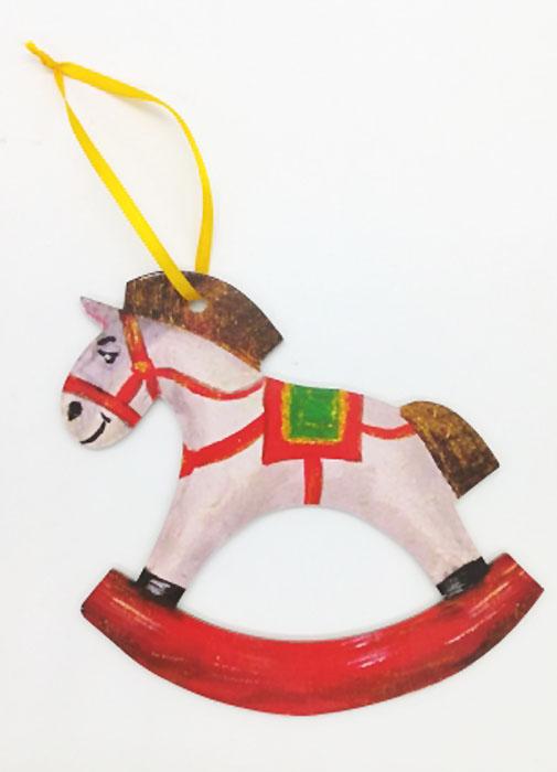Игрушка-подвеска новогодняя Darinchi Лошадка, 12 см1346749Замечательная безопасная картонная игрушка на ленточке! Милый сувенир на елочку! Елка, украшенная картонными игрушками, станет эксклюзивным элементом декора вашего дома и подарит вам и вашим близким незабываемый Новый Год.