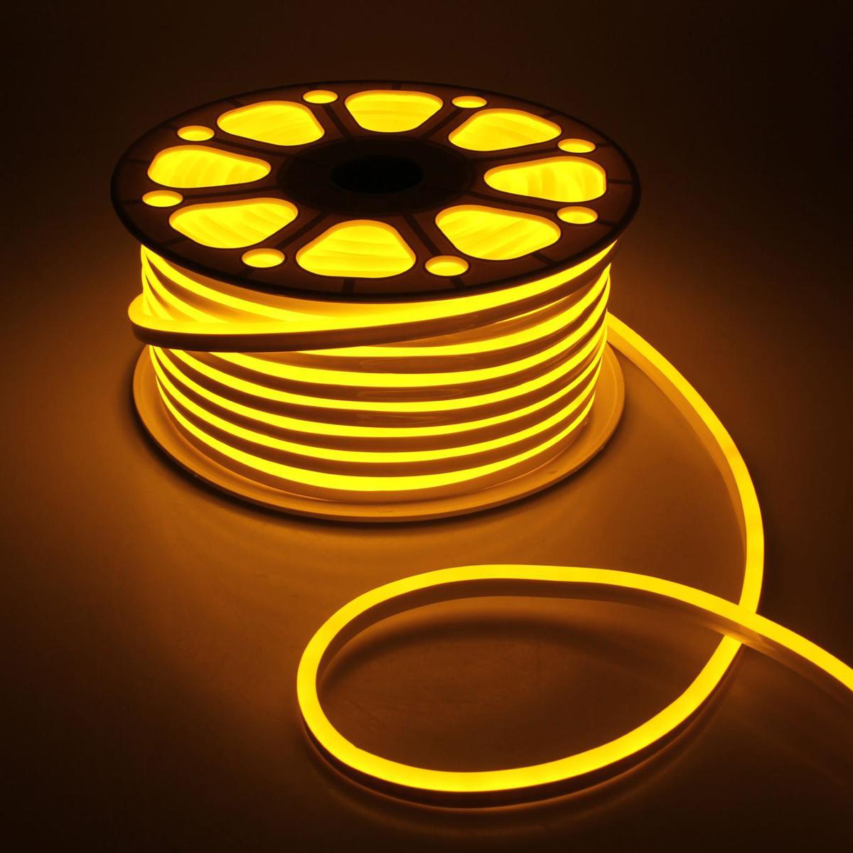 Гирлянда светодиодная Luazon, 120 ламп, 220 V, цвет: желтый, 0,8 см х 1,6 см х 50 м. 14312651431265Светодиодные гирлянды, ленты и т.д — это отличный вариант для новогоднего оформления интерьера или фасада. С их помощью помещение любого размера можно превратить в праздничный зал, а внешние элементы зданий, украшенные ими, мгновенно станут напоминать очертания сказочного дворца. Такие украшения создают ауру предвкушения чуда. Деревья, фасады, витрины, окна и арки будто специально созданы, чтобы вы украсили их светящимися нитями.