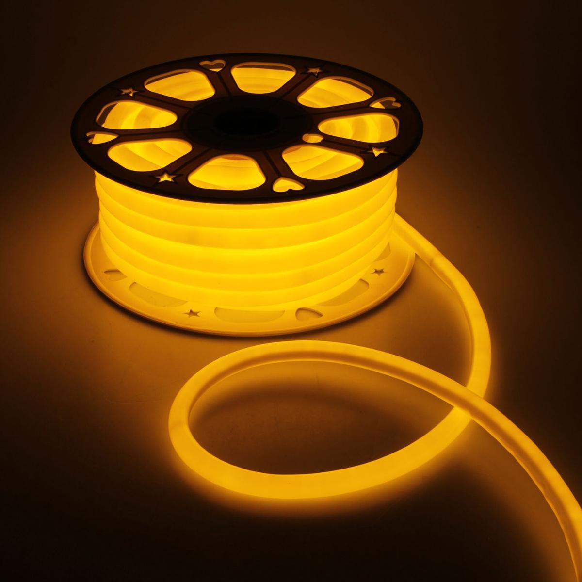 Гирлянда светодиодная Luazon, 120 ламп, 220 V, цвет: желтый, 1,6 см х 25 м. 14313011431301Светодиодные гирлянды, ленты и т.д — это отличный вариант для новогоднего оформления интерьера или фасада. С их помощью помещение любого размера можно превратить в праздничный зал, а внешние элементы зданий, украшенные ими, мгновенно станут напоминать очертания сказочного дворца. Такие украшения создают ауру предвкушения чуда. Деревья, фасады, витрины, окна и арки будто специально созданы, чтобы вы украсили их светящимися нитями.