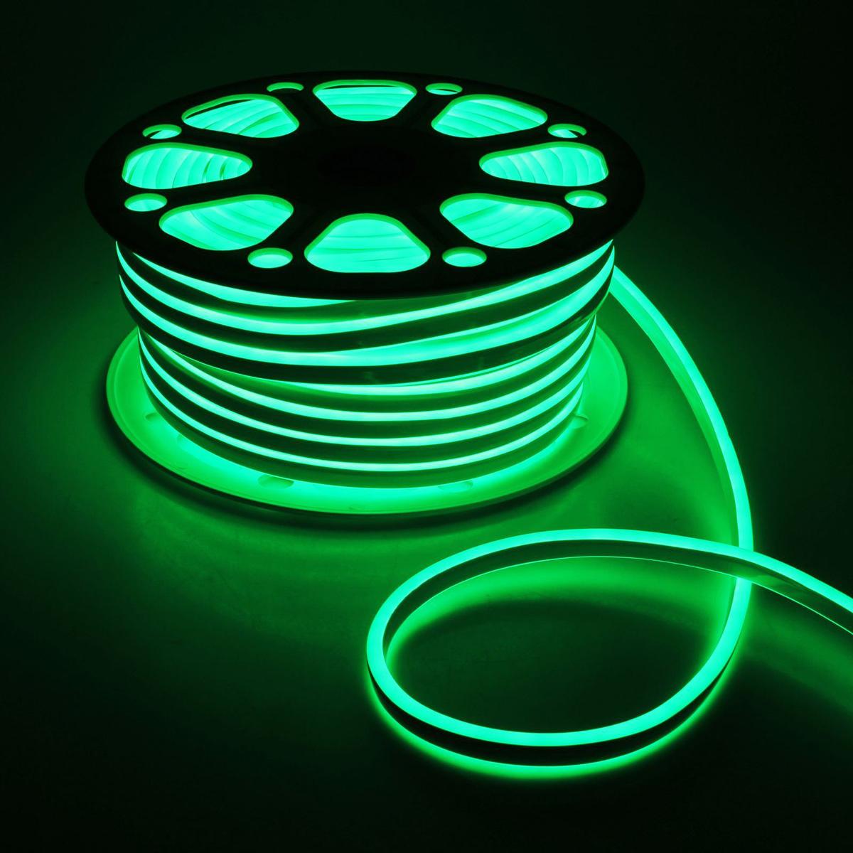 Гирлянда светодиодная Luazon, 120 ламп, 220 V, цвет: зеленый, 0,8 см х 1,8 см х 50 м. 14312891431289Светодиодные гирлянды, ленты и т.д — это отличный вариант для новогоднего оформления интерьера или фасада. С их помощью помещение любого размера можно превратить в праздничный зал, а внешние элементы зданий, украшенные ими, мгновенно станут напоминать очертания сказочного дворца. Такие украшения создают ауру предвкушения чуда. Деревья, фасады, витрины, окна и арки будто специально созданы, чтобы вы украсили их светящимися нитями.