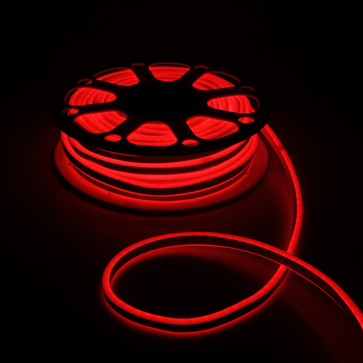 Гирлянда светодиодная Luazon, 120 ламп, 220 V, цвет: красный, 0,8 см х 1,8 см х 25 м. 1431285 гирлянда luazon дождь 2m 6m multicolor 671678