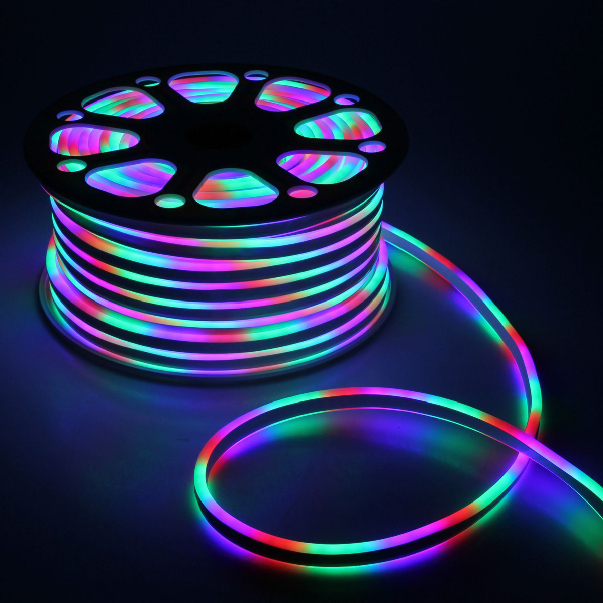 Гирлянда светодиодная Luazon, 120 ламп, 220 V, цвет: мультиколор, 0,8 см х 1,6 см х 50 м. 14312661431267Светодиодные гирлянды, ленты и т.д — это отличный вариант для новогоднего оформления интерьера или фасада. С их помощью помещение любого размера можно превратить в праздничный зал, а внешние элементы зданий, украшенные ими, мгновенно станут напоминать очертания сказочного дворца. Такие украшения создают ауру предвкушения чуда. Деревья, фасады, витрины, окна и арки будто специально созданы, чтобы вы украсили их светящимися нитями.