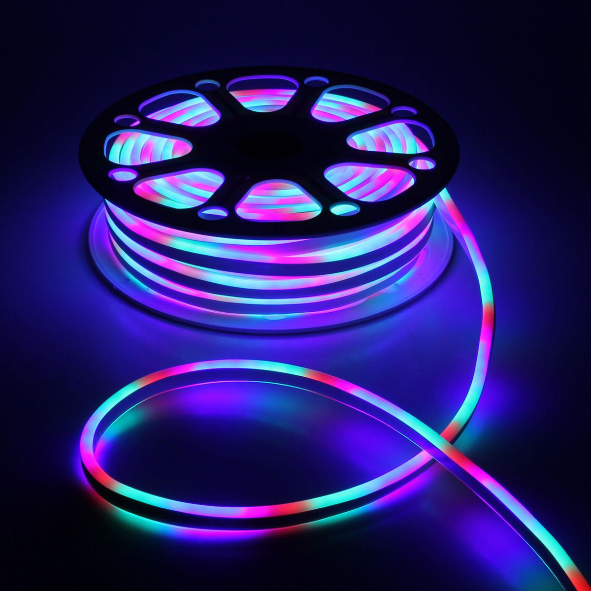 Гирлянда светодиодная Luazon, 120 ламп, 220 V, цвет: мультиколор, 0,8 см х 1,8 см х 25 м. 1431284677989Светодиодные гирлянды, ленты и т.д — это отличный вариант для новогоднего оформления интерьера или фасада. С их помощью помещение любого размера можно превратить в праздничный зал, а внешние элементы зданий, украшенные ими, мгновенно станут напоминать очертания сказочного дворца. Такие украшения создают ауру предвкушения чуда. Деревья, фасады, витрины, окна и арки будто специально созданы, чтобы вы украсили их светящимися нитями.