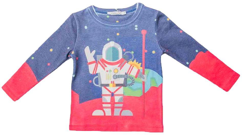 Джемпер для мальчика Vitacci, цвет: синий, красный. 1161064-04. Размер 1281161064-04Джемпер для мальчика Vitacci выполнен из нейлона и полиэстера. Модель с круглым вырезом горловины и длинными рукавами, оформлена стильным принтом.