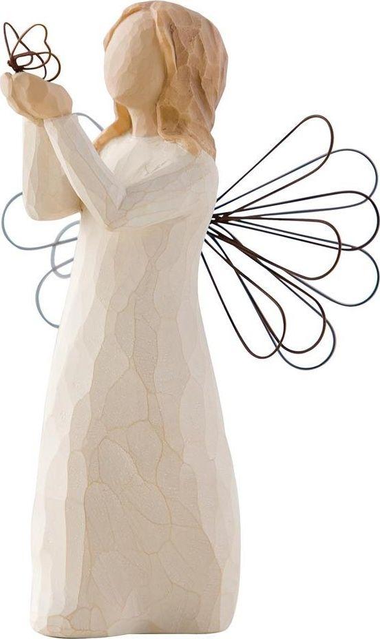 Фигурка Willow Tree Ангел свободы, высота 12,5 см26219Декоративная фигурка Willow Tree создана канадским скульптором Сьюзан Лорди. Фигурка выполнена из искусственного камня (49% карбонат кальция мелкозернистой разновидности, 51% искусственный камень).Фигурка Willow Tree – это настоящее произведение искусства, образная скульптура в миниатюре, изображающая эмоции и чувства, которые помогают чувствовать себя ближе к другим, верить в мечту, выражать любовь.Фигурка помещена в красивую упаковку.Купить такой оригинальный подарок, значит не только украсить интерьер помещения или жилой комнаты, но выразить свое глубокое отношение к любимому человеку. Этот прекрасный сувенир будет лучшим подарком на день ангела, именины, день рождения, юбилей.