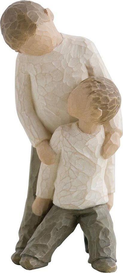 Фигурка Willow Tree Братья, высота 13 см26056Эти прекрасные фигурки созданы канадским скульптором Сьюзан Лорди.Каждая фигурка – это настоящее произведение искусства, образная скульптура в миниатюре, изображающая эмоции и чувства, которые помогают нам чувствовать себя ближе к другим, верить в мечту, выражать любовь. Фигурка помещена в красивую упаковку. Купить такой оригинальный подарок, значит не только украсить интерьер помещения или жилой комнаты, но выразить свое глубокое отношение к любимому человеку. Этот прекрасный сувенир будет лучшим подарком на день ангела, именины, день рождения, юбилей.