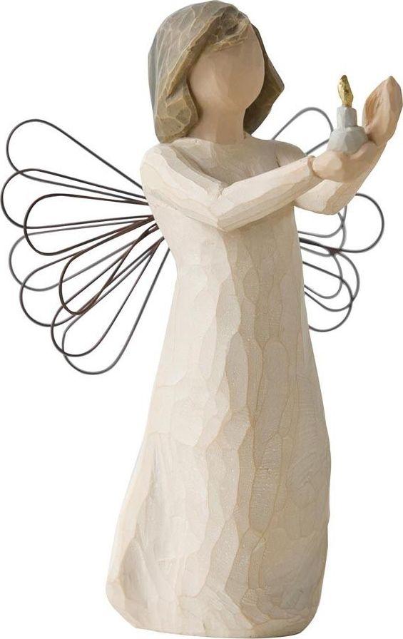 Фигурка Willow Tree Ангел надежды, высота 13 см26235Эти прекрасные фигурки созданы канадским скульптором Сьюзан Лорди.Каждая фигурка – это настоящее произведение искусства, образная скульптура в миниатюре, изображающая эмоции и чувства, которые помогают нам чувствовать себя ближе к другим, верить в мечту, выражать любовь. Фигурка помещена в красивую упаковку. Купить такой оригинальный подарок, значит не только украсить интерьер помещения или жилой комнаты, но выразить свое глубокое отношение к любимому человеку. Этот прекрасный сувенир будет лучшим подарком на день ангела, именины, день рождения, юбилей.