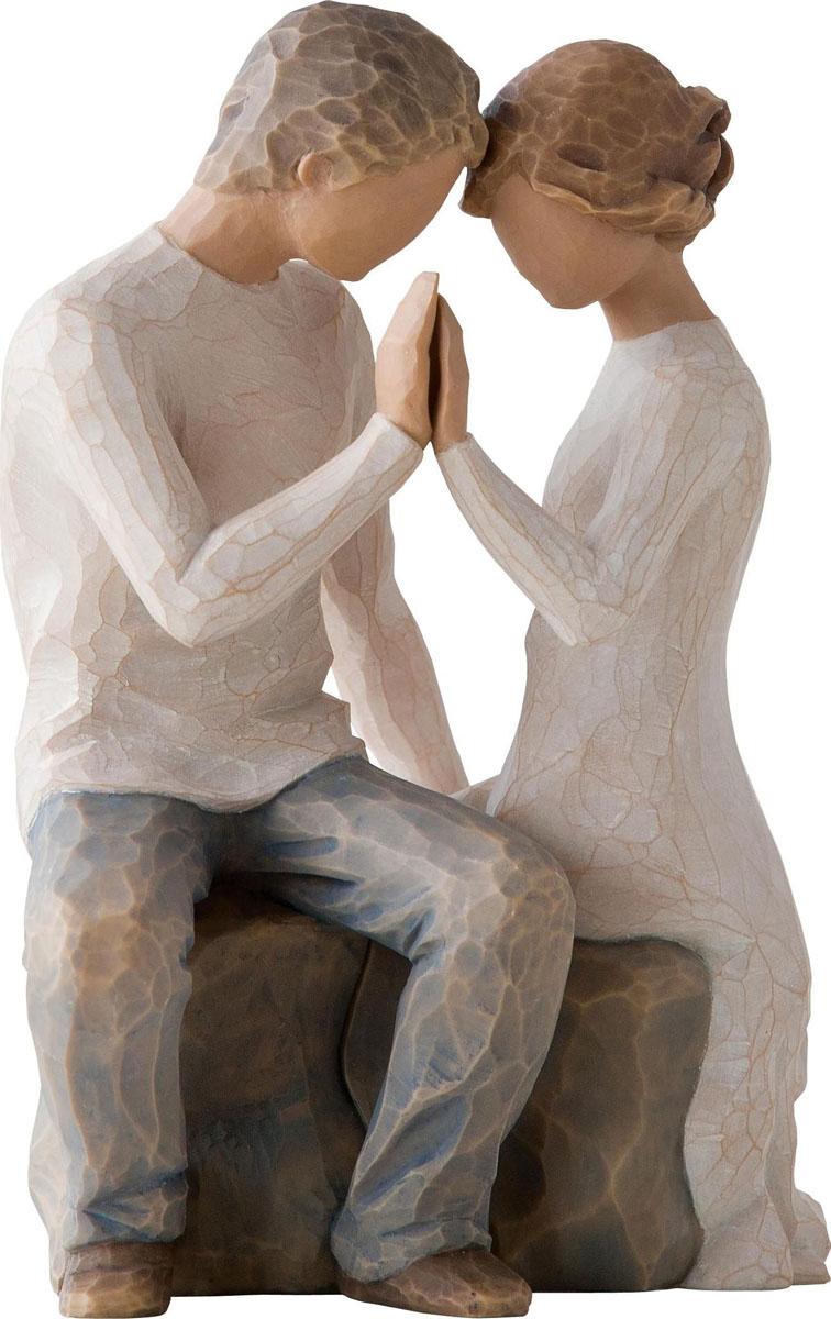 Фигурка Willow Tree Вокруг вас, высота 16,5 см27182Эти прекрасные фигурки созданы канадским скульптором Сьюзан Лорди.Каждая фигурка – это настоящее произведение искусства, образная скульптура в миниатюре, изображающая эмоции и чувства, которые помогают нам чувствовать себя ближе к другим, верить в мечту, выражать любовь. Фигурка помещена в красивую упаковку. Купить такой оригинальный подарок, значит не только украсить интерьер помещения или жилой комнаты, но выразить свое глубокое отношение к любимому человеку. Этот прекрасный сувенир будет лучшим подарком на день ангела, именины, день рождения, юбилей.