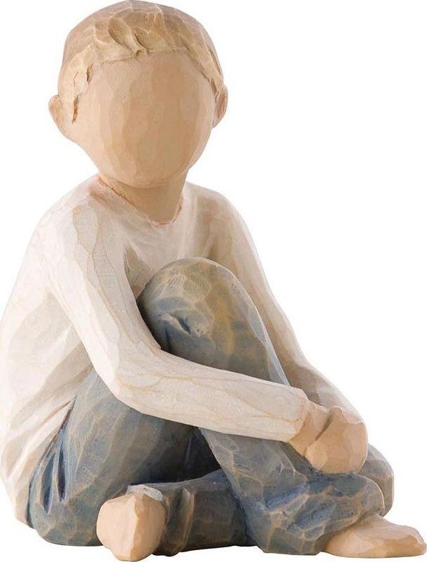 Фигурка Willow Tree Заботливый ребенок, высота 7,5 см26228Декоративная фигурка Willow Tree создана канадским скульптором Сьюзан Лорди. Фигурка выполнена из искусственного камня (49% карбонат кальция мелкозернистой разновидности, 51% искусственный камень).Фигурка Willow Tree – это настоящее произведение искусства, образная скульптура в миниатюре, изображающая эмоции и чувства, которые помогают чувствовать себя ближе к другим, верить в мечту, выражать любовь.Фигурка помещена в красивую упаковку.Купить такой оригинальный подарок, значит не только украсить интерьер помещения или жилой комнаты, но выразить свое глубокое отношение к любимому человеку. Этот прекрасный сувенир будет лучшим подарком на день ангела, именины, день рождения, юбилей.
