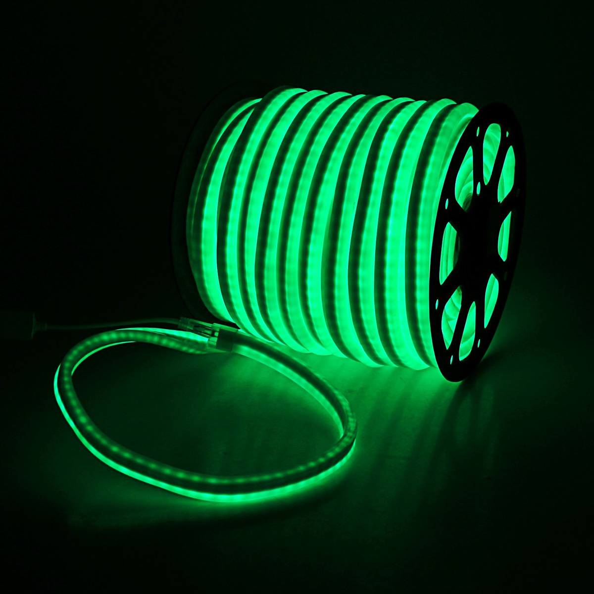 Гирлянда светодиодная Sima-land, 80 ламп, 220 V, цвет: зеленый, 1,2 см х 2,4 см х 50 м. 185466185466Светодиодные гирлянды, ленты и т.д — это отличный вариант для новогоднего оформления интерьера или фасада. С их помощью помещение любого размера можно превратить в праздничный зал, а внешние элементы зданий, украшенные ими, мгновенно станут напоминать очертания сказочного дворца. Такие украшения создают ауру предвкушения чуда. Деревья, фасады, витрины, окна и арки будто специально созданы, чтобы вы украсили их светящимися нитями.