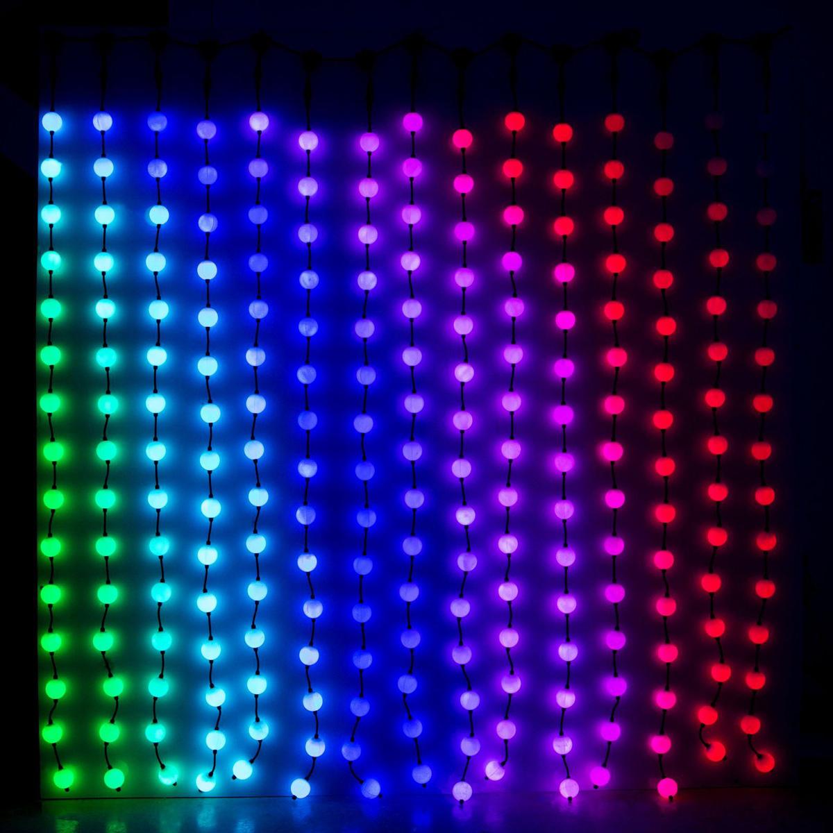 Гирлянда светодиодная Дождь. Умные шарики, 30 режимов, 225 ламп, 220V, цвет: мультиколор, 1,5 х 1,5 м. 1065000187266Светодиодные гирлянды, ленты и т.д — это отличный вариант для новогоднего оформления интерьера или фасада. С их помощью помещение любого размера можно превратить в праздничный зал, а внешние элементы зданий, украшенные ими, мгновенно станут напоминать очертания сказочного дворца. Такие украшения создают ауру предвкушения чуда. Деревья, фасады, витрины, окна и арки будто специально созданы, чтобы вы украсили их светящимися нитями.