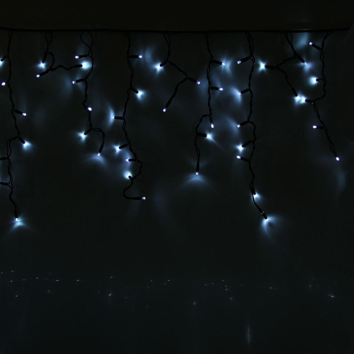Гирлянда светодиодная Luazon Бахрома, уличная, 180 ламп, 220 V, цвет: белый, 4 х 0,6 м. 1080648 гирлянда luazon дождь 2m 6m multicolor 671678