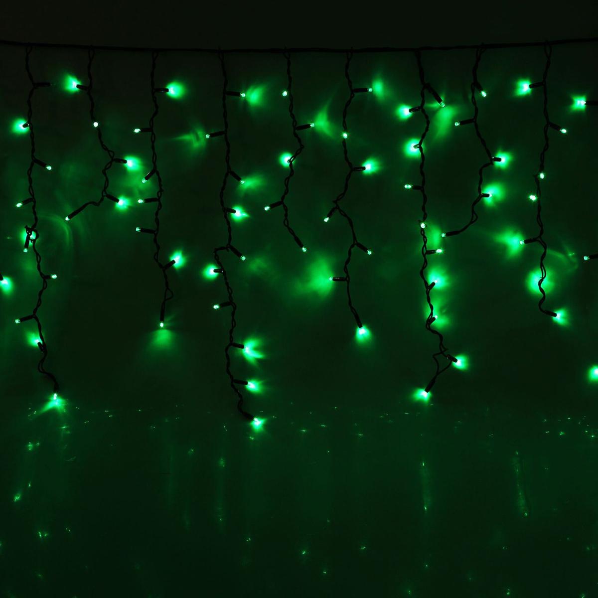 Гирлянда светодиодная Luazon Бахрома, уличная, 330 ламп, 220 V, цвет: зеленый, 5,6 х 0,9 м. 10806571080657Светодиодные гирлянды, ленты и т.д — это отличный вариант для новогоднего оформления интерьера или фасада. С их помощью помещение любого размера можно превратить в праздничный зал, а внешние элементы зданий, украшенные ими, мгновенно станут напоминать очертания сказочного дворца. Такие украшения создают ауру предвкушения чуда. Деревья, фасады, витрины, окна и арки будто специально созданы, чтобы вы украсили их светящимися нитями.