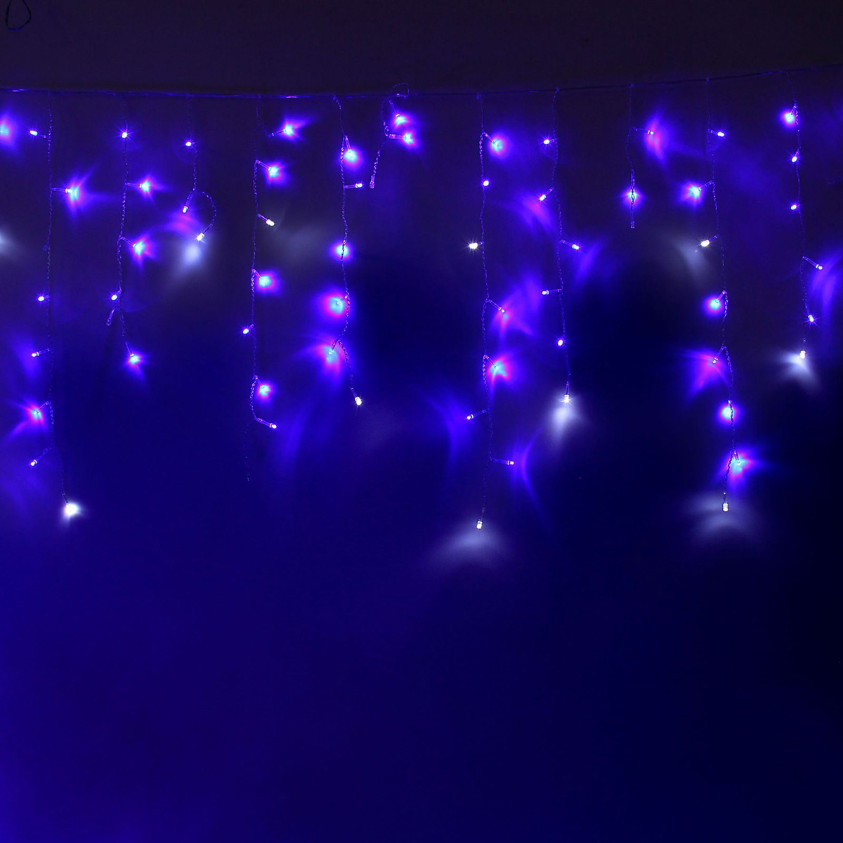 Гирлянда светодиодная Luazon Бахрома, эффект мерцания, 299 ламп, 220 V, цвет: синий, белый, 5,2 х 0,6 м. 10804281080428Светодиодные гирлянды, ленты и т.д — это отличный вариант для новогоднего оформления интерьера или фасада. С их помощью помещение любого размера можно превратить в праздничный зал, а внешние элементы зданий, украшенные ими, мгновенно станут напоминать очертания сказочного дворца. Такие украшения создают ауру предвкушения чуда. Деревья, фасады, витрины, окна и арки будто специально созданы, чтобы вы украсили их светящимися нитями.