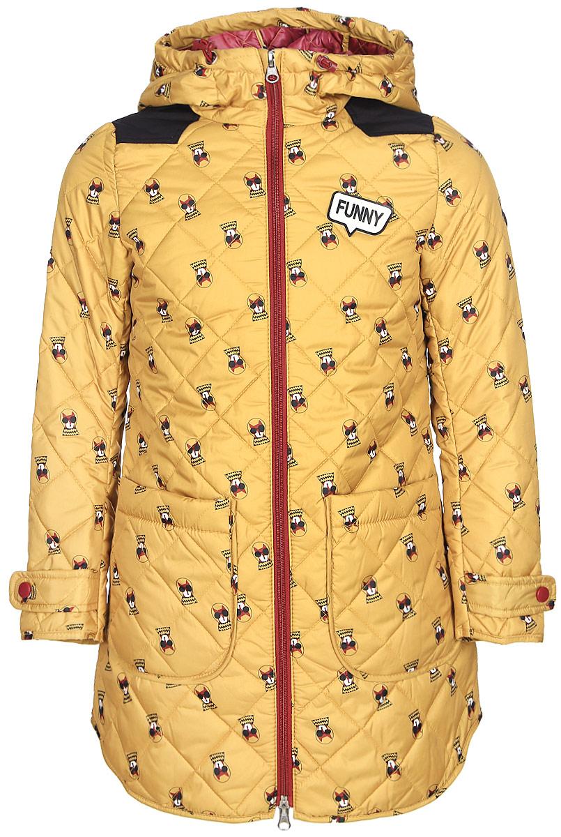 Пальто для девочки Boom!, цвет: желтый. 70326_BOG_вар.2. Размер 158, 11-12 лет70326_BOG_вар.2Пальто для девочки Boom! c капюшоном и длинными рукавами выполнено из прочного полиэстера. Модель застегивается на застежку-молнию спереди. Объем капюшона регулируется при помощи шнурка-кулиски со стопперами. Изделие дополнено двумя накладными карманами на кнопках. Манжеты рукавов дополнены хлястиками с застежками-кнопками. Нижняя часть спинки оформлена фирменной нашивкой. Пальто дополнено спереди аппликацией.