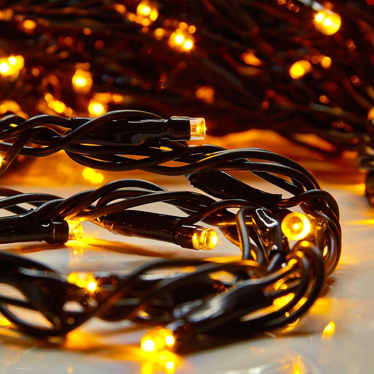 Гирлянда светодиодная Luazon Дождь, уличная, 8 режимов, 400 ламп, 220 V, цвет: желтый, 2 х 1,5 м. 187295187295Гирлянда светодиодная Дождь - это отличный вариант для новогоднего оформления интерьера или фасада. С ее помощью помещение любого размера можно превратить в праздничный зал, а внешние элементы зданий, украшенные гирляндой, мгновенно станут напоминать очертания сказочного дворца. Такое украшение создаст ауру предвкушения чуда. Деревья, фасады, витрины, окна и арки будто специально созданы, чтобы вы украсили их светящимися нитями.