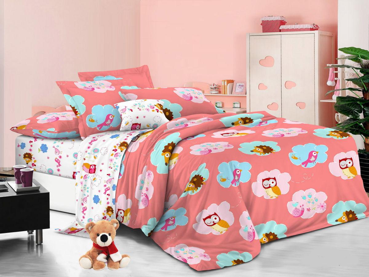 Cleo Комплект детского постельного белья Сладкий сон 1,5 спальный цвет розовый53/014-PDКоллекция Cleo для детей от 3 лет создана с любовью и заботой. Мы старались разнообразить коллекцию красочной цветовой гаммой, учитывая любовь к волшебным персонажам, как мальчиков, так и девочек, ваши детки не будут расставаться со сказкой даже во сне! Благодаря пигментному способу нанесение печати, даже после многократных стирок (деликатный режим), постельное белье сохраняет свой первоначальный вид. Постельное белье выполнено из натуральных тканей из 100% Хлопка. Поплин – 100% Хлопок, благодаря специальному плетению, ткань приобретает репсовый эффект и всеми свойствами хлопка: не вызывает аллергию, хорошо пропускает воздух, легко стирается и гладится, прочен, выдерживает много стирок, плюс ко сему, он очень долговечен, износоустойчив и при этом очень мягкий.