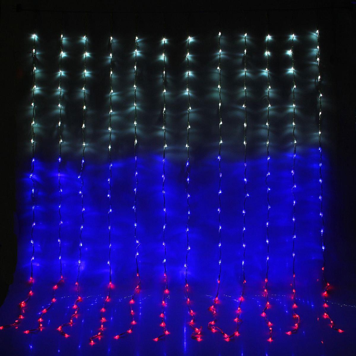 Гирлянда светодиодная Luazon Дождь. Флаг России, 8 режимов, 420 ламп, 220 V, цвет: белый, синий, красный, 2 х 1,5 м. 10804821080482Светодиодные гирлянды, ленты и т.д — это отличный вариант для новогоднего оформления интерьера или фасада. С их помощью помещение любого размера можно превратить в праздничный зал, а внешние элементы зданий, украшенные ими, мгновенно станут напоминать очертания сказочного дворца. Такие украшения создают ауру предвкушения чуда. Деревья, фасады, витрины, окна и арки будто специально созданы, чтобы вы украсили их светящимися нитями.