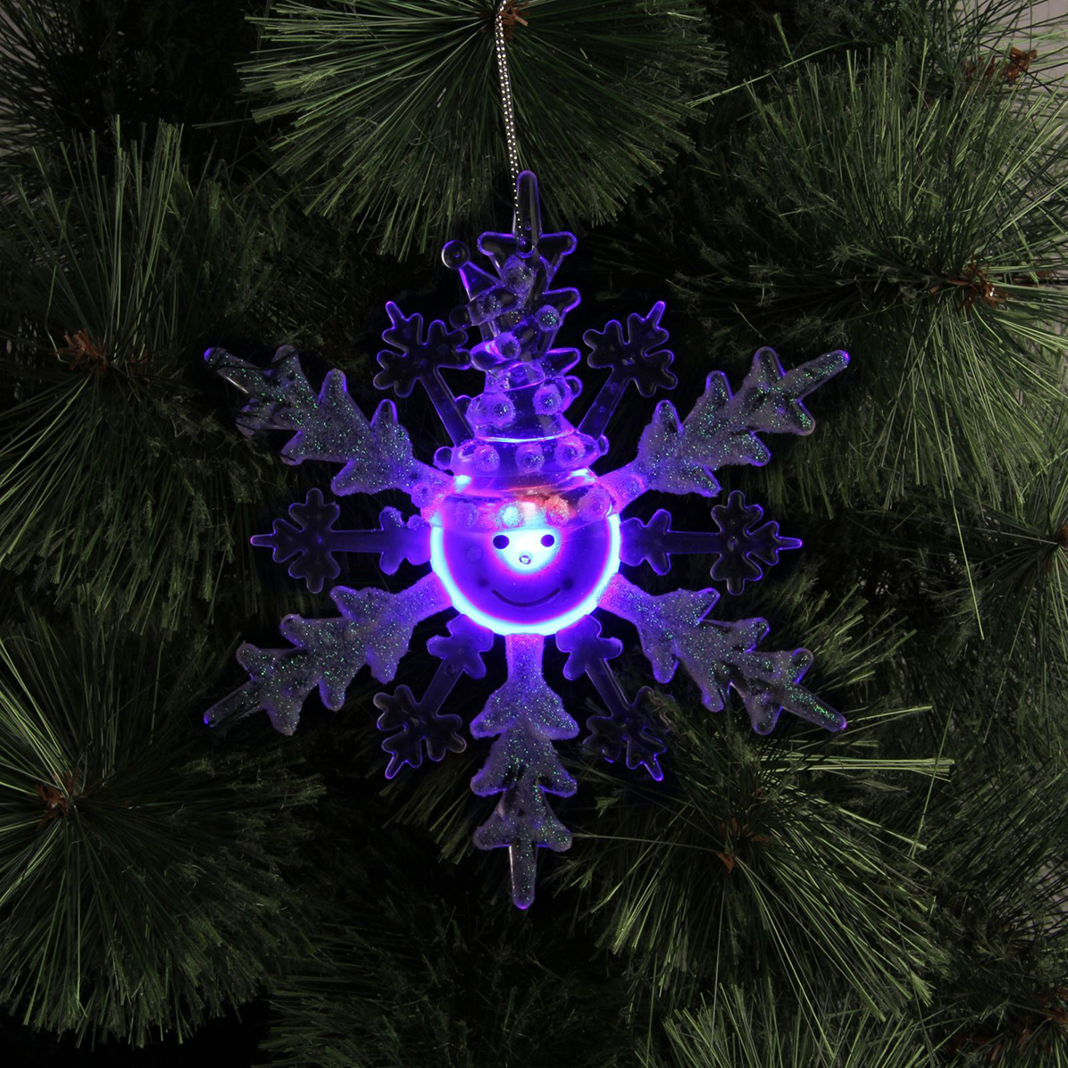 Подвесное украшение праздничное Luazon Lighting Снежинка-снеговик, с подсветкой, цвет: белый1077318Невозможно представить себе современный мир без электроприборов. Благодаря качественным материалам и работе дизайнеров они способны сделать нашу жизнь комфортнее и порадовать глаз. Это прекрасный выбор, если вы находитесь в поиске товара, который идеально впишется в ежедневную жизнь и прослужит долго.Батарейки в комплекте.