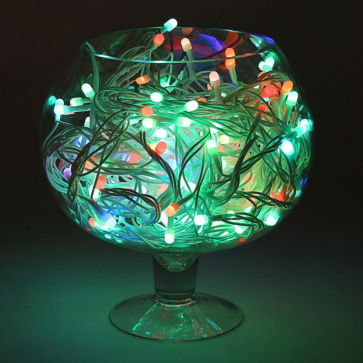Гирлянда светодиодная Luazon Метраж, уличная, моргает, 200 ламп, 220 V, 20 м, цвет: мультиколор. 10805681080568Светодиодные гирлянды, ленты и т.д. — это отличный вариант для новогоднего оформления интерьера или фасада. С их помощью помещение любого размера можно превратить в праздничный зал, а внешние элементы зданий, украшенные ими, мгновенно станут напоминать очертания сказочного дворца. Такие украшения создают ауру предвкушения чуда. Деревья, фасады, витрины, окна и арки будто специально созданы, чтобы вы украсили их светящимися нитями.