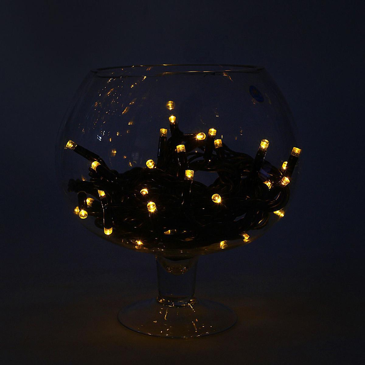 Гирлянда светодиодная Luazon Метраж. Каучук, уличная, 100 ламп, 220 V, 10 м, цвет: желтый. 10806341080634Светодиодные гирлянды, ленты и т.д. — это отличный вариант для новогоднего оформления интерьера или фасада. С их помощью помещение любого размера можно превратить в праздничный зал, а внешние элементы зданий, украшенные ими, мгновенно станут напоминать очертания сказочного дворца. Такие украшения создают ауру предвкушения чуда. Деревья, фасады, витрины, окна и арки будто специально созданы, чтобы вы украсили их светящимися нитями.